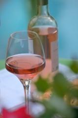 bordeaux-rose-bouteille-et-verre-332x500.jpg